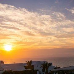 Отель Apanomeria Boutique Resident Греция, Остров Санторини - отзывы, цены и фото номеров - забронировать отель Apanomeria Boutique Resident онлайн пляж
