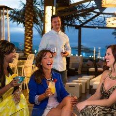 Отель Hilton San Diego Bayfront гостиничный бар