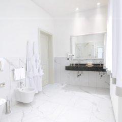 Отель Grand Hotel Trieste & Victoria Италия, Абано-Терме - 2 отзыва об отеле, цены и фото номеров - забронировать отель Grand Hotel Trieste & Victoria онлайн ванная
