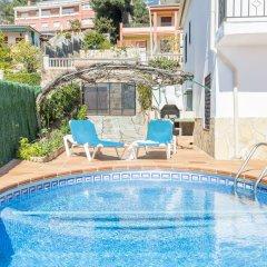 Отель Villa Juliana Испания, Бланес - отзывы, цены и фото номеров - забронировать отель Villa Juliana онлайн бассейн