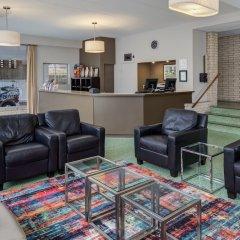 Отель Americana Hotel США, Арлингтон - отзывы, цены и фото номеров - забронировать отель Americana Hotel онлайн интерьер отеля