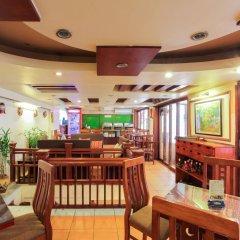 Отель Madam Moon Guesthouse Вьетнам, Ханой - отзывы, цены и фото номеров - забронировать отель Madam Moon Guesthouse онлайн гостиничный бар