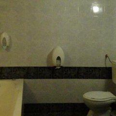 Отель Family Hotel Medven - 1 Болгария, Сливен - отзывы, цены и фото номеров - забронировать отель Family Hotel Medven - 1 онлайн ванная
