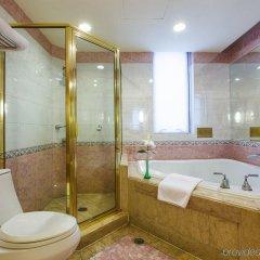 Отель Majesty Plaza Shanghai Китай, Шанхай - отзывы, цены и фото номеров - забронировать отель Majesty Plaza Shanghai онлайн ванная