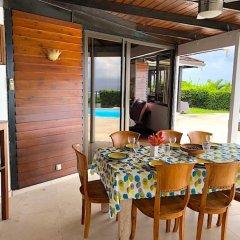 Отель Villa Riviera - Tahiti Французская Полинезия, Пунаауиа - отзывы, цены и фото номеров - забронировать отель Villa Riviera - Tahiti онлайн балкон