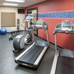 Отель Hampton Inn & Suites Tulare фитнесс-зал