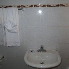Отель Enchanted Villas and Guest House ванная