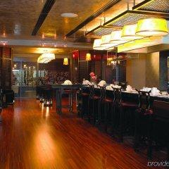 Отель Grand Millennium Hotel Kuala Lumpur Малайзия, Куала-Лумпур - отзывы, цены и фото номеров - забронировать отель Grand Millennium Hotel Kuala Lumpur онлайн гостиничный бар