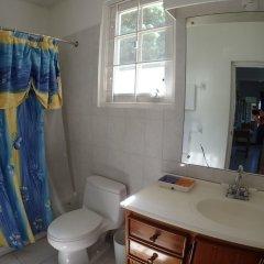 Отель Siesta - Runaway Bay 5BR ванная фото 2