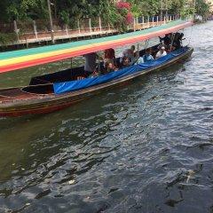 Отель Baan Talat Phlu Бангкок приотельная территория фото 2