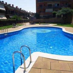 Отель Cala Boadella I Испания, Льорет-де-Мар - отзывы, цены и фото номеров - забронировать отель Cala Boadella I онлайн бассейн