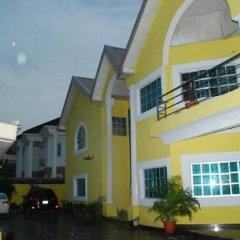 Отель Topaz Lodge парковка