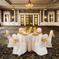 Отель Delta Hotels by Marriott Bessborough