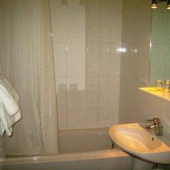 Отель Boreal Франция, Тулуза - отзывы, цены и фото номеров - забронировать отель Boreal онлайн ванная