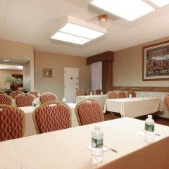 Отель Meadowlands River Inn