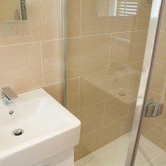 Отель Clarendon Burleigh Mansions ванная фото 2