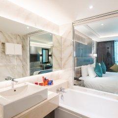 Отель Citrus Suites Sukhumvit 6 By Compass Hospitality Бангкок ванная фото 2