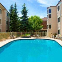 Отель Embassy Suites Flagstaff бассейн