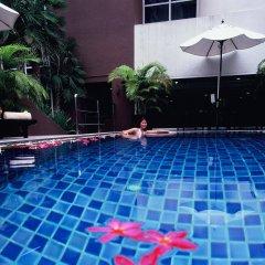 Отель Furamaxclusive Sukhumvit Бангкок бассейн