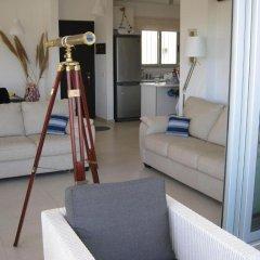 Отель Trident Beach Front Suite Кипр, Протарас - отзывы, цены и фото номеров - забронировать отель Trident Beach Front Suite онлайн комната для гостей