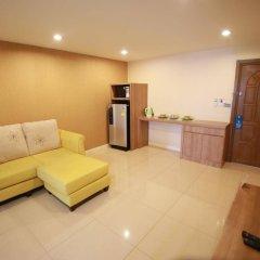 Апартаменты Pintree Service Apartment Pattaya Паттайя в номере фото 2
