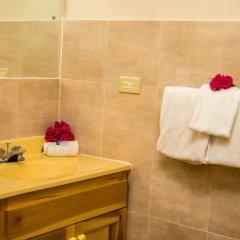 Отель Holiday Haven Ямайка, Ранавей-Бей - отзывы, цены и фото номеров - забронировать отель Holiday Haven онлайн ванная