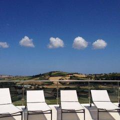 Отель Villa Belvedere Degli Ulivi Озимо бассейн фото 3