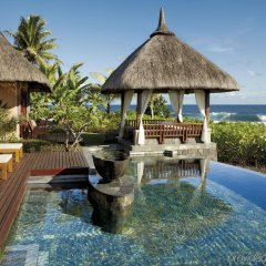 Отель Shanti Maurice Resort & Spa бассейн фото 2