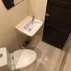 Отель A One Inn Бангкок ванная