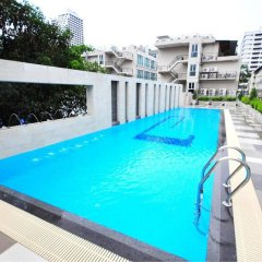 Отель PARINDA Бангкок бассейн