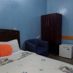 Отель Koltol Guest House сейф в номере