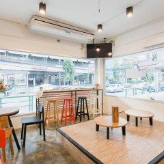 Homie Hostel & Cafe' Бангкок гостиничный бар