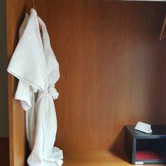 Отель Baywater Resort Samui сейф в номере