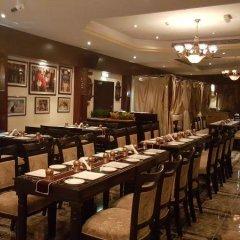 Отель Regent Beach Resort питание фото 3