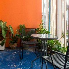 Отель Gotum Hostel & Restaurant Таиланд, Пхукет - отзывы, цены и фото номеров - забронировать отель Gotum Hostel & Restaurant онлайн бассейн фото 2