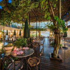 Отель Duangjitt Resort, Phuket Пхукет приотельная территория фото 2
