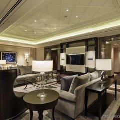 Hilton Istanbul Bomonti Hotel & Conference Center интерьер отеля фото 2