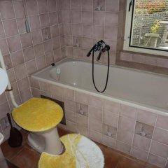 Отель Penzion U Doubku Карловы Вары ванная