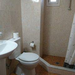 Отель Eleni Rooms ванная фото 8