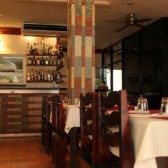 Avenue Beach Hotel гостиничный бар