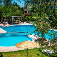 Achousa Hotel бассейн