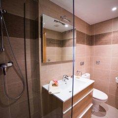 Отель Agi Drugstore Apartments Испания, Курорт Росес - отзывы, цены и фото номеров - забронировать отель Agi Drugstore Apartments онлайн ванная фото 2
