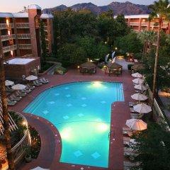 Отель Radisson Suites Tucson бассейн