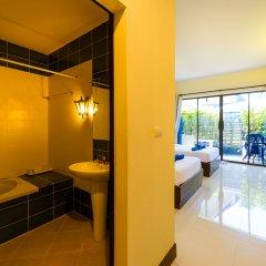 Отель JR Siam Kata Resort бассейн