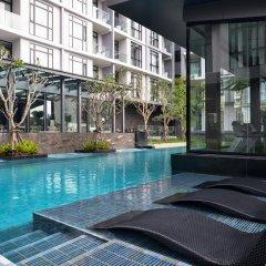 Отель At Mind Exclusive Pattaya бассейн