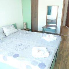 Апартаменты Sofia Apartments in Sunny Residence комната для гостей