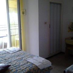 Hotel Ideale Римини комната для гостей