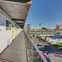 Отель Aruba Hotel and Spa США, Лас-Вегас - отзывы, цены и фото номеров - забронировать отель Aruba Hotel and Spa онлайн балкон