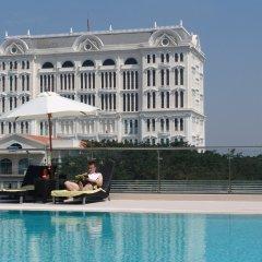 Отель Crescent Residence бассейн