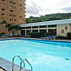 Отель Beach Side Condos at Turtle Beach Towers Ямайка, Очо-Риос - отзывы, цены и фото номеров - забронировать отель Beach Side Condos at Turtle Beach Towers онлайн бассейн